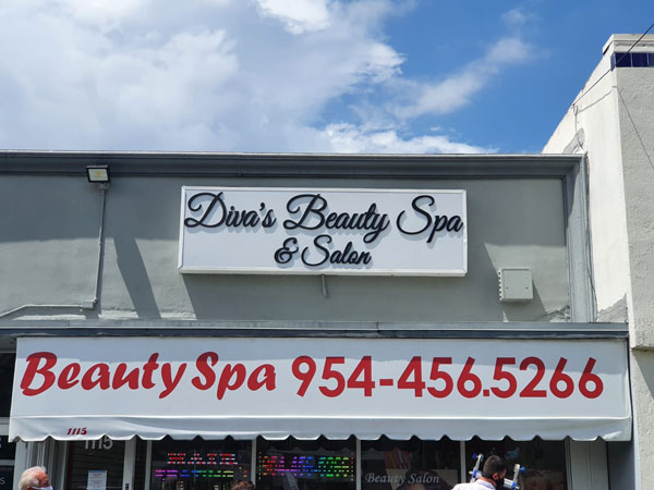Outdoor Signs custom made for Diva's Beauty Spa & Salon by Major League Signs